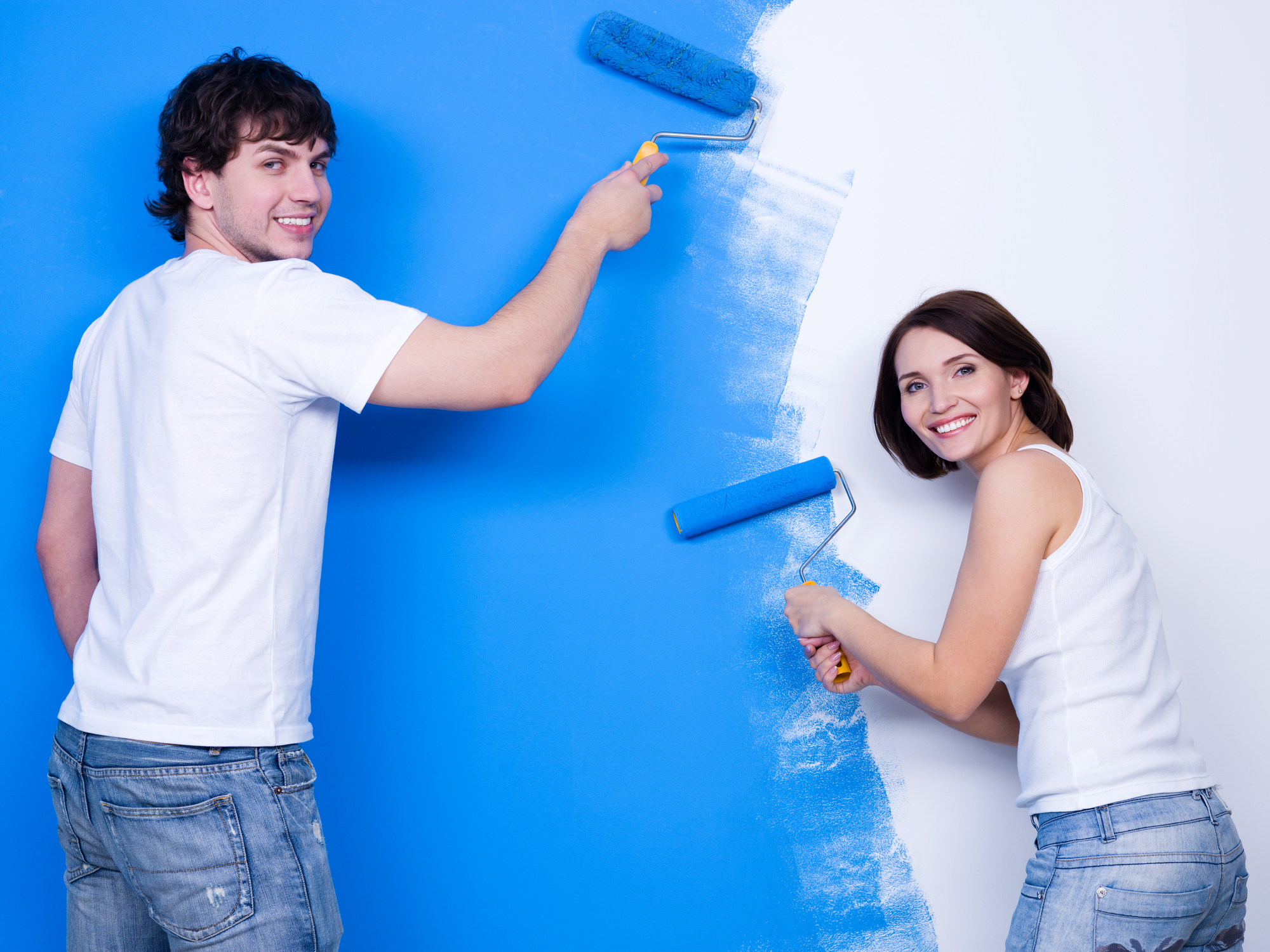 Brushing the wall by happy